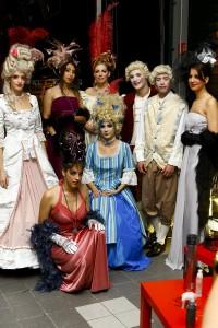 Le défilé traditionnel du Gala, avec les robes de jeunes créateurs