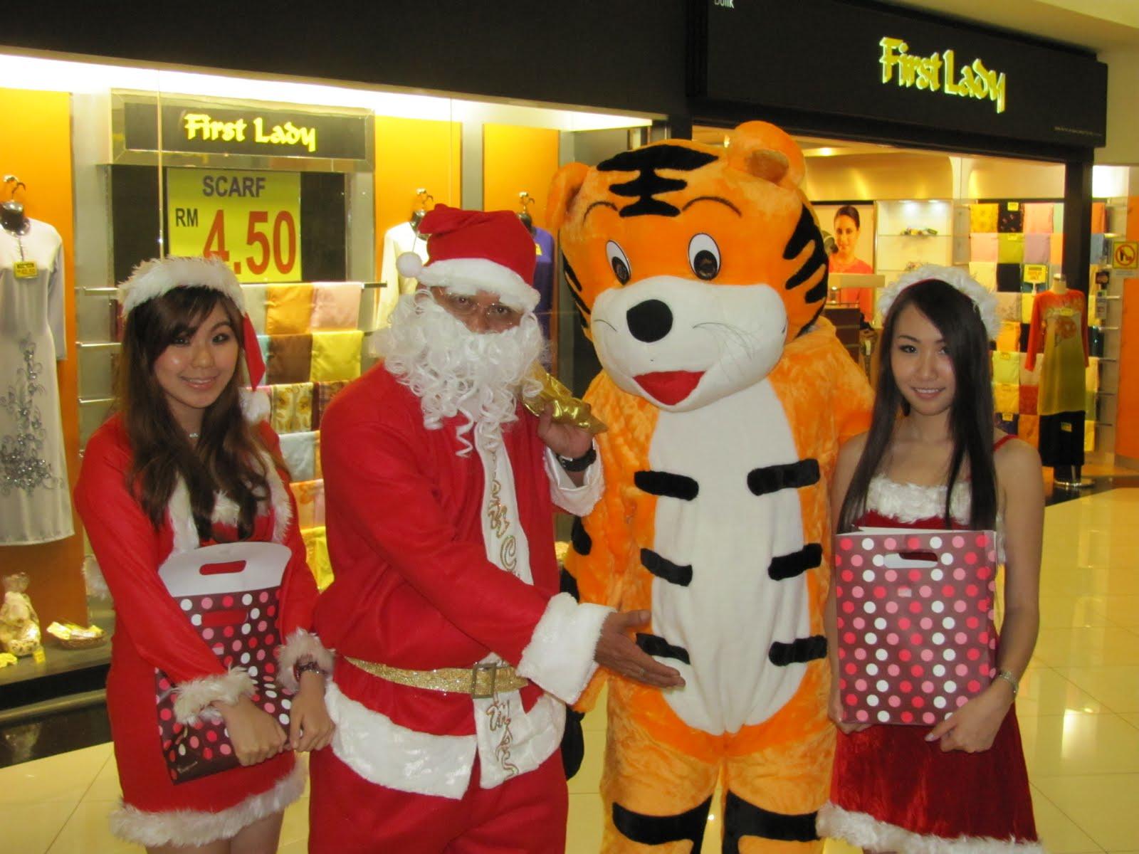KUALA LUMPUR – Noël et le brassage commercial des cultures (par Cross Worlds)
