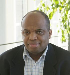 Frédéric Nlemvo, professeur d'Entrepreneuriat et coordinateur du pôle de recherche ICE@RMS