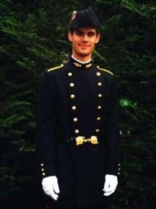Florent Delval est élève de l'École Polytechnique, dans la promotion X2011. Il est membre d'une liste Kès (BDE de l'École), la Kèsquette, en qualité d'aspirant IK-man. L'IK, ou InfoKès, est le journal hebdomadaire des polytechniciens.