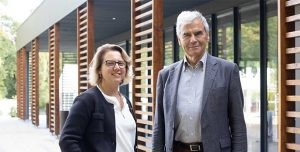 Jean-Philippe AMMEUX quittera la Directionde l'IÉSEG à l'été 2022 - Caroline ROUSSELprendra sa succession en qualité de Directrice Générale (c) IÉSEG