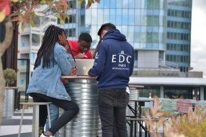 Pour l'année 2019/2020, les étudiants d'EDC Paris Business School profitent d'un tout nouveau campus à La Défense – © Isabelle Dorpe