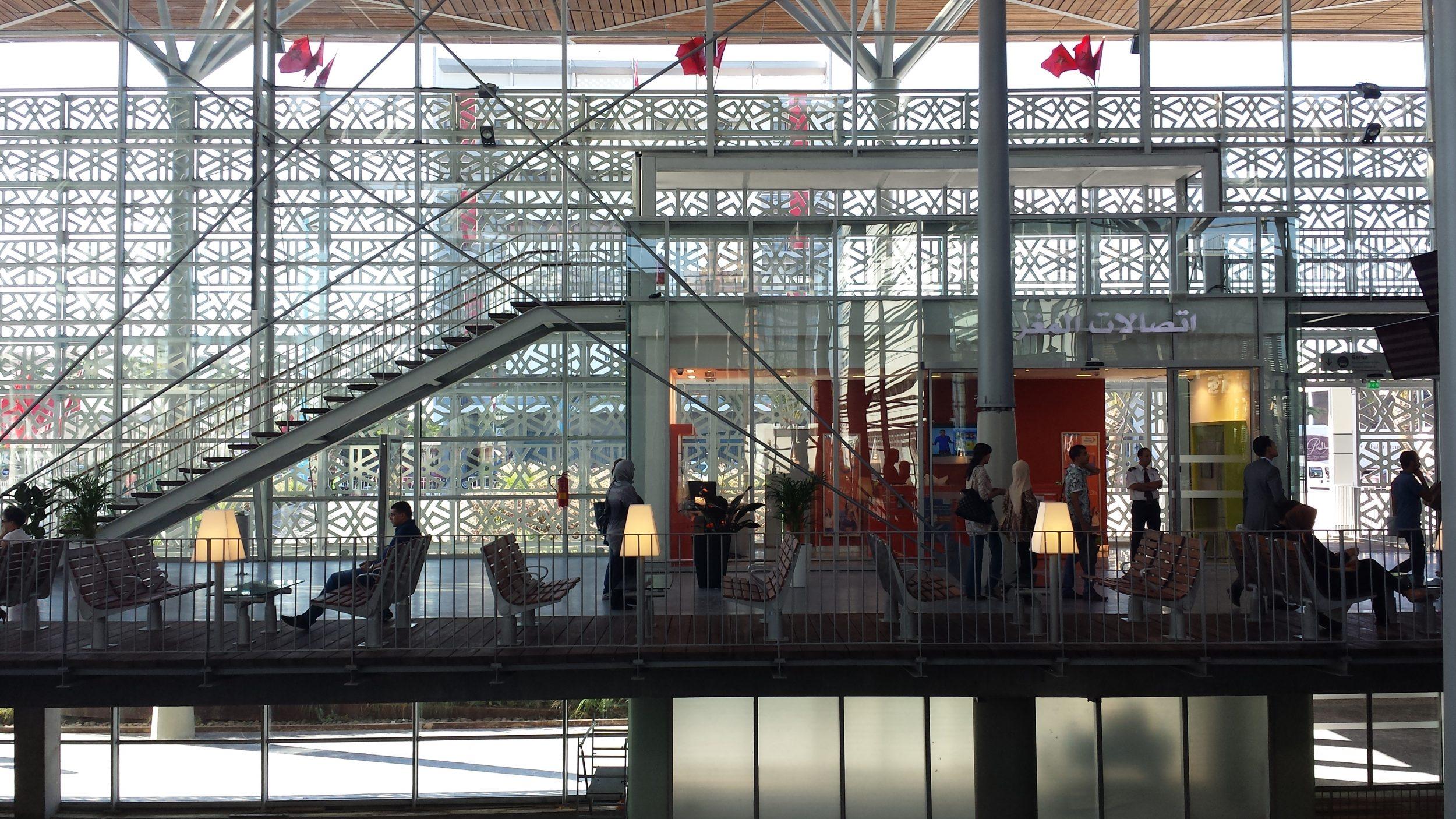 Gare de Casa Port (Casablanca, Maroc) - Le hall et son espace d'attente (c) AREP/Stéphane Tricaud