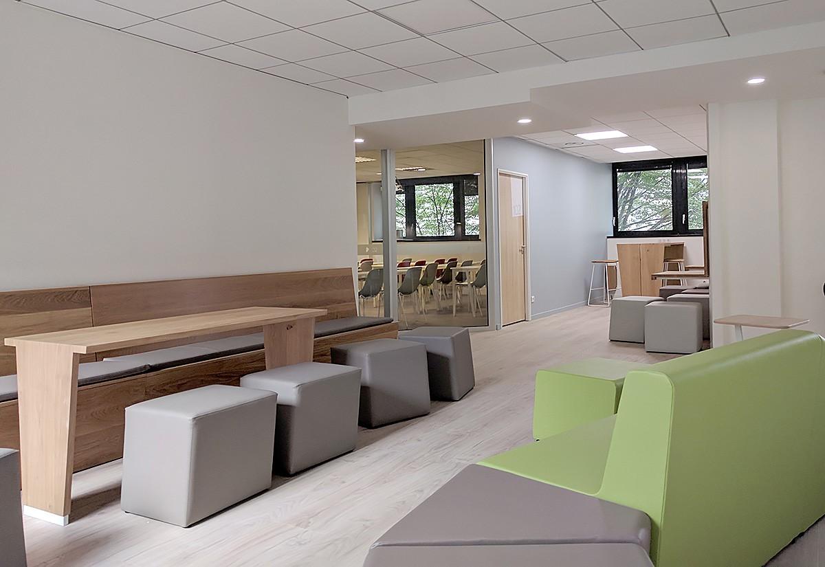 Bien-être étudiant et workspace : les nouveaux locaux de l'ISCOM Paris