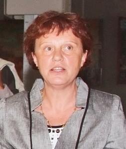 Marie-Christine Thooris, documentaliste chargée du Centre de Ressources Historiques, bibliothèque de l'Ecole Polytechnique