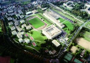 Vue aérienne du campus de l'ECP à Châtenay-Malabry. L'ECP s'y installe en 1969. L'École s'installera près de Supélec avec ses alliés du PRES UniverSud Paris d'ici 10 ans, et dans le cadre de la constitution du campus de Saclay.