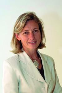 Claire Boca  (Edhec 1987),  directeur du pôle  relations  consommateurs  de Nestlé en France