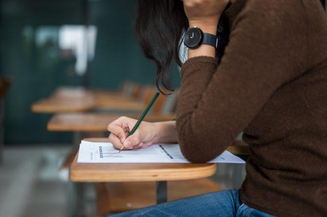 La scolarité gratuite à tous les étudiants boursiers de ESCP ! (c) adobestock