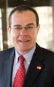 Emmanuel Petit (ISG 78, Licence Droit des affaires Assas 80) est PDG de Mastercard France.