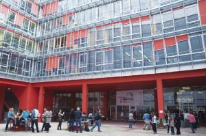 L'UPMC cherche à augmenter le nombre de doctorants au profit et se formant dans l'industrie.