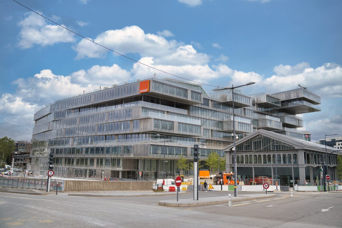 La communication financière d'Orange est déjà prête pour l'après ! – L'interview de Patrice Lambert de Diesbach