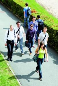 Près de 80 % des élèves-ingénieurs  centraliens ont trouvé un emploi avant même d'avoir quitté l'École.