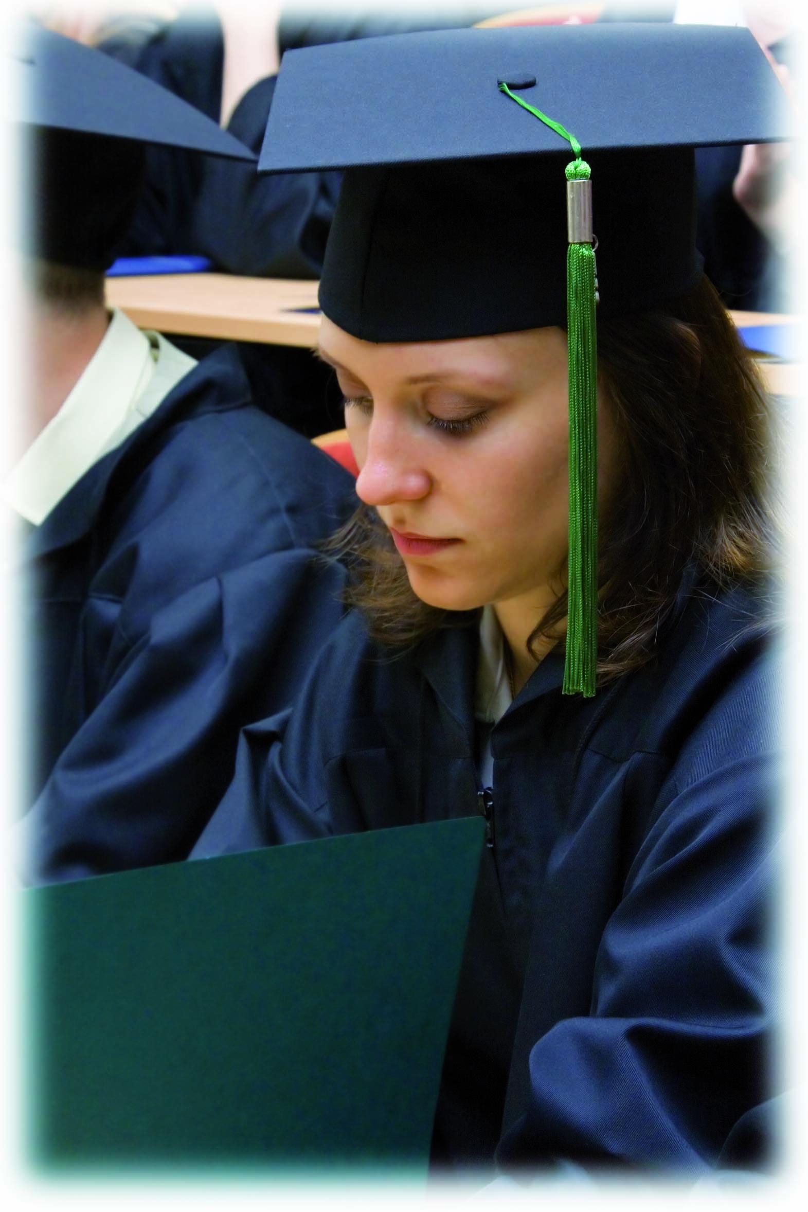 Banques et assurances, priorité aux diplômés