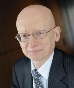 Hubert Reynier (IEP 83, ENA 88, IGF 88) est Directeur des Risques et Contrôles Permanents de Crédit Agricole SA.