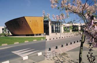 UTC – Les relations avec les anciens, un enjeu stratégique de développement pour les grandes écoles et Universités