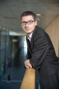 A 42 ans, François Germinet (ENPC 93 - docteur en mathématiques Paris-Diderot) est l'un des plus jeunes présidents d'université. Il a été élu à la tête de l'université de Cergy-Pontoise (UCP) en mars 2012