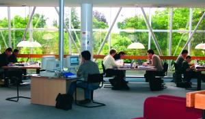 INSEAD - participants in Doriot library