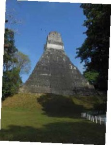 TIKAL DANS LA JUNGLE DU GUATEMALA