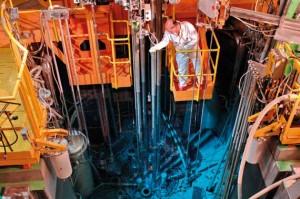 Exploitation d'un réacteur expérimental pour la recherche sur les matériaux au CEA Saclay © P. STROPPA / CEA