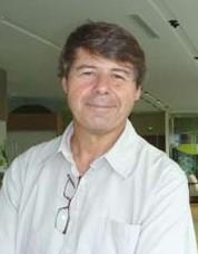 Alfonso Castro, collaborateur de Microsoft, accompagne des jeunes en recherche d'emploi depuis 4 ans avec l'association Café de l'avenir
