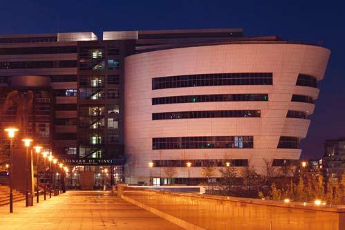 Ingénieurs, managers, designers : la transversalité des compétences au coeur du projet de développement des écoles du Pôle Universitaire Léonard de Vinci : l'EMLV, l'ESILV et l'IIM