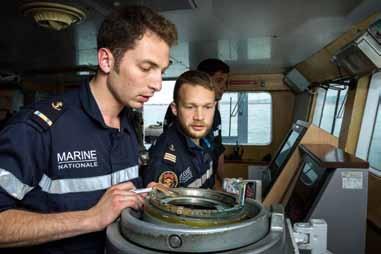 Quelle formation humaine pour les futurs ingénieurs ? L'exemple de l'École navale