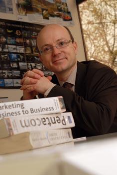 Christophe Bénaroya Professeur de Marketing au sein du Groupe Toulouse Business School