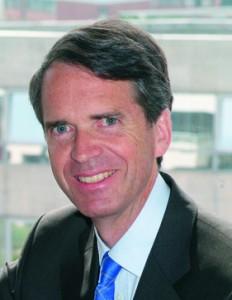 Hubert Mongon, (Maîtrise en Droit Privé Paris V, DESS RH Dauphine  89), Senior Vice-Président Ressources Humaines  McDonald's France et Europe du sud.