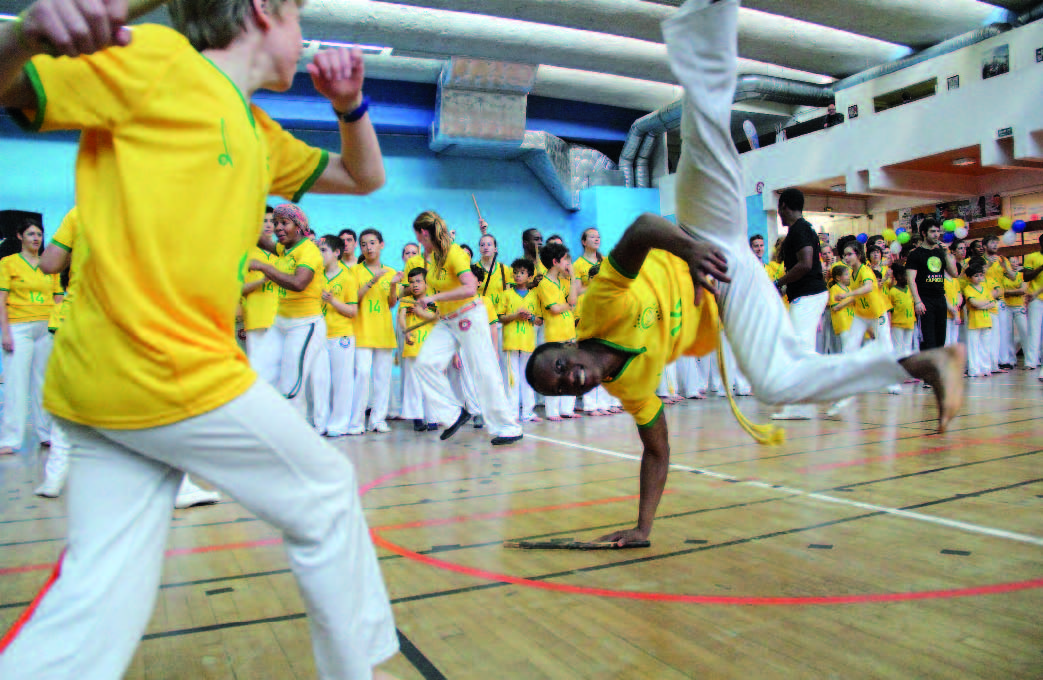 L'appel du Brésil… Quand la capoeira séduit les étudiants Français