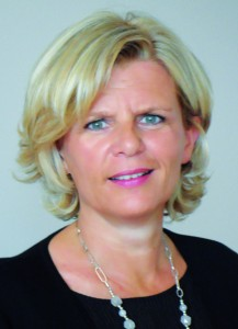 Corinne Demée,  (Reims Management School, 1989),  Directeur de la Communication monde de Merial.
