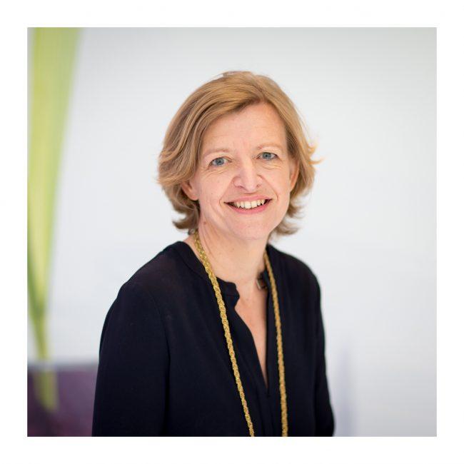 Dans son interview, Stéphanie Lambey, Directrice de Klorane Botanical Foundation explique le bonheur éprouvé à travailler pour un groupe expert, voué à « rendre le monde meilleur »