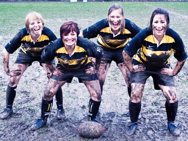 Ballon, gazon et bottes de cuir: l'heure de gloire du rugby féminin