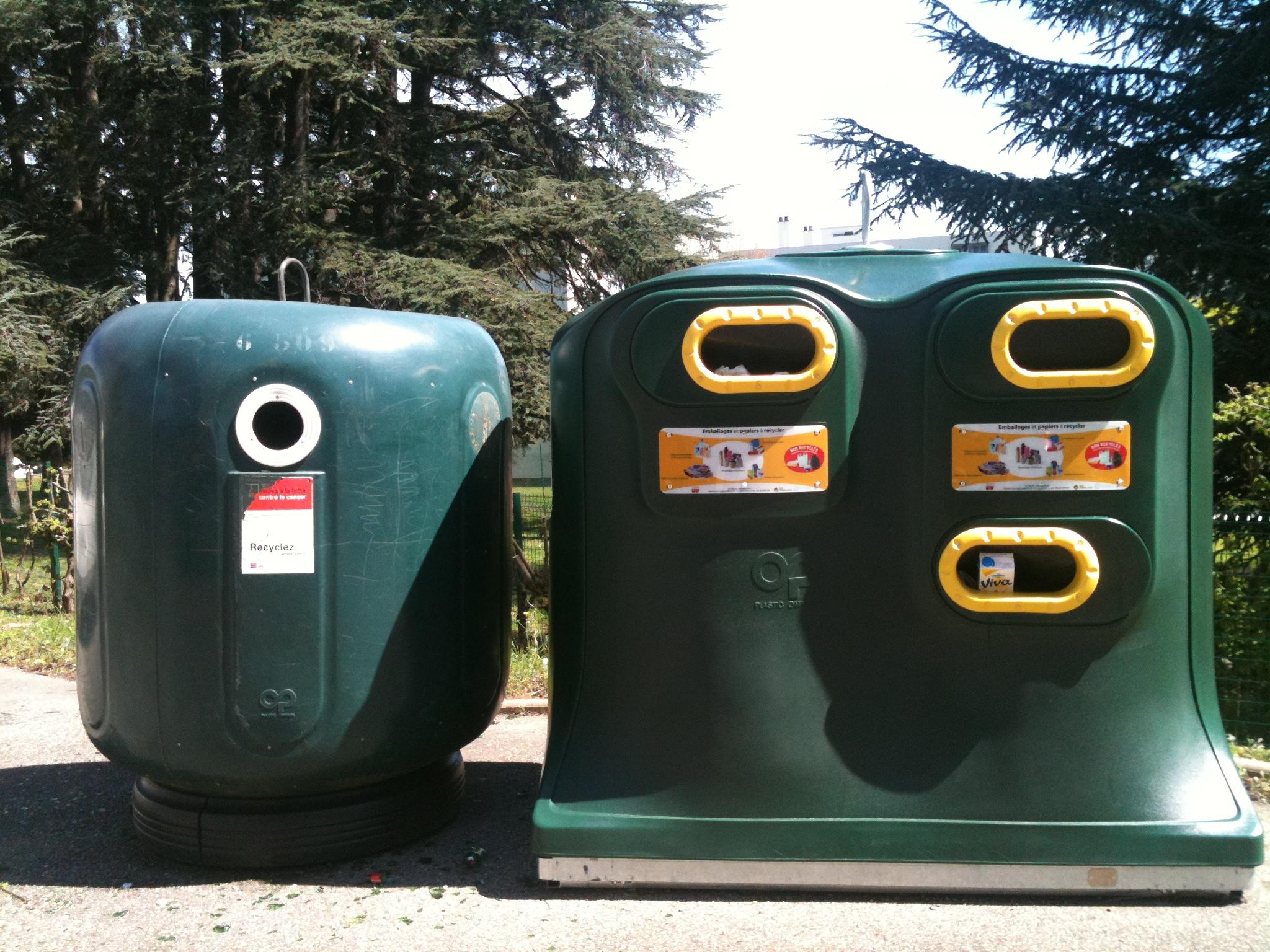 L'Ecole Centrale de Lyon et emlyon business school, déjà associées à Eco-Emballages dans le cadre de la chaire Recyclage et Economie Circulaire lancent en collaboration avec le Grand Lyon, les premiers points d'apport volontaire sur le campus d'Ecully