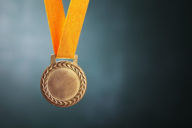 EDHEC Business School avec l'Alliance FOME remporte une médaille d'or lors de la compétition QS Reimagine Education
