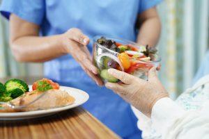 ÉCOLE DUCASSE et UniLaSalle collaborent afin de créer une formation professionnelle unique autour des bénéfices santé de l'alimentation (c) adobestock