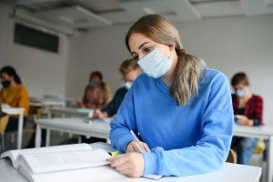 L'EDHEC lance le BBA Meet-Up Programme pour aider les étudiants à créer du lien malgré la pandémie (c) adobestock