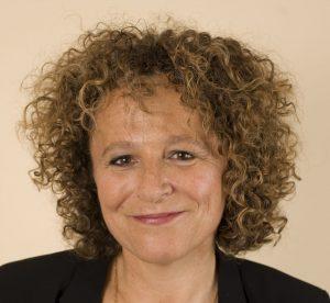 Anne Vicq-Appas (Master 2 en Littérature, Université Paris Sorbonne 85), CIO d'AXA Technology Services