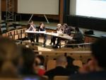 De g. à d., Guillaume Perrin, président sortant du BNEI, un étudiant, Claudie Haigneré, Cédric Villani et Yves Bréchet