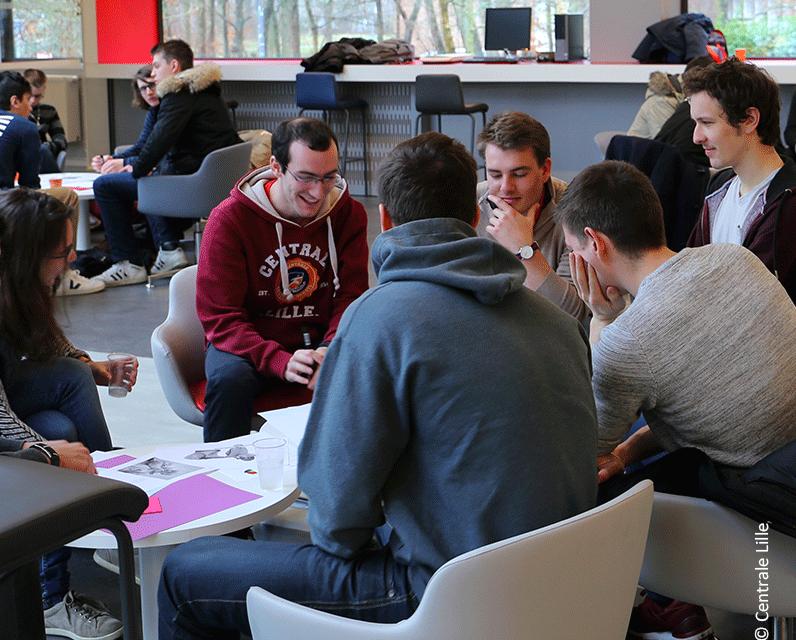 Centrale Lille refond la 3ème année de son cursus centralien et l'enrichit de 2 programmes thématiques