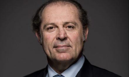« L'ASSURANCE VIT UNE RÉVOLUTION FASCINANTE » PHILIPPE DONNET, CEO DE GENERALI