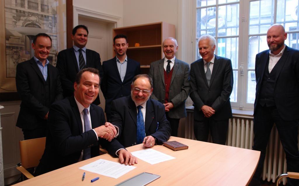 Arts et Métiers et DSTI signent un accord de partenariat  pour répondre aux enjeux de la digitalisation industrielle