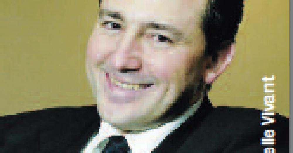 Olivier Torres, professeur à l'Université de Montpellier I et chercheur associé à EM Lyon BS en gestion des PME. Il a créé le premier Observatoire de la santé des dirigeants de PME, commerçants et artisans, Amorok. © Christelle Vivant © Fotolia