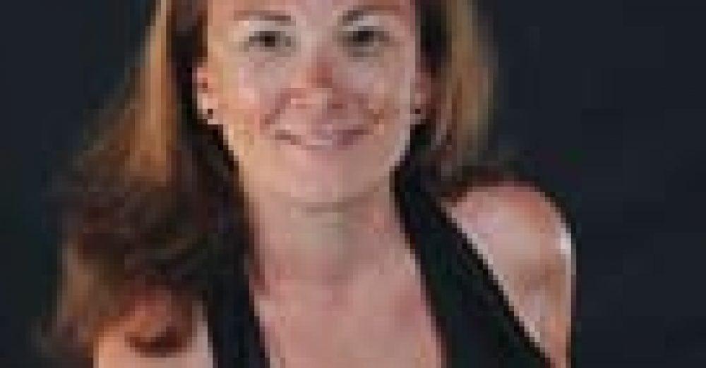 Ingénieur diplômée en 1996 de l'EPF, Sabine Lunel-Suzanne, a exercé durant 3 ans des fonctions techniques avant de rejoindre les RH. Elle est directrice du développement social de la branche Energie Services de GDF SUEZ.