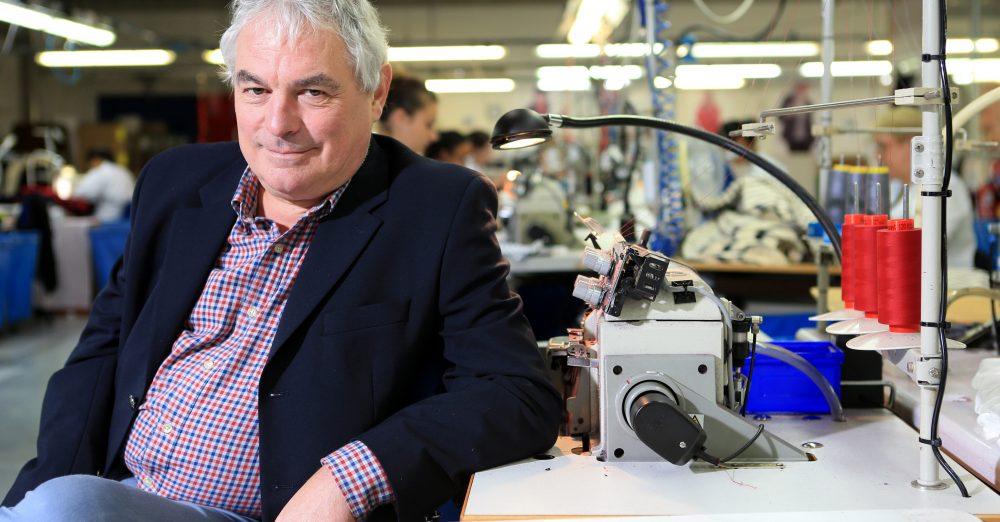Jean-Guy Le Floch, PDG d'Armor-Lux dans une usine de fabrication de vetements de la marque à Quimper (c) Andia