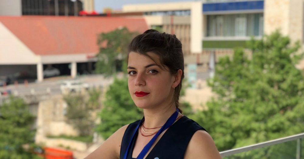 Agathe Ripoll, étudiante en géologie à UniLaSalle, est arrivée en 2nde place au concours mondial Imperial Barrel Award 2019 avec son équipe.
