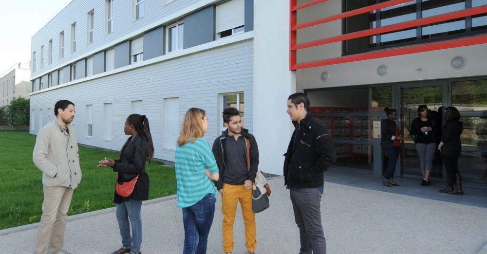 Résidence étudiante de 100 logements entièrement réalisée en modulaire à Bondy (93) crédits Eric Couderc
