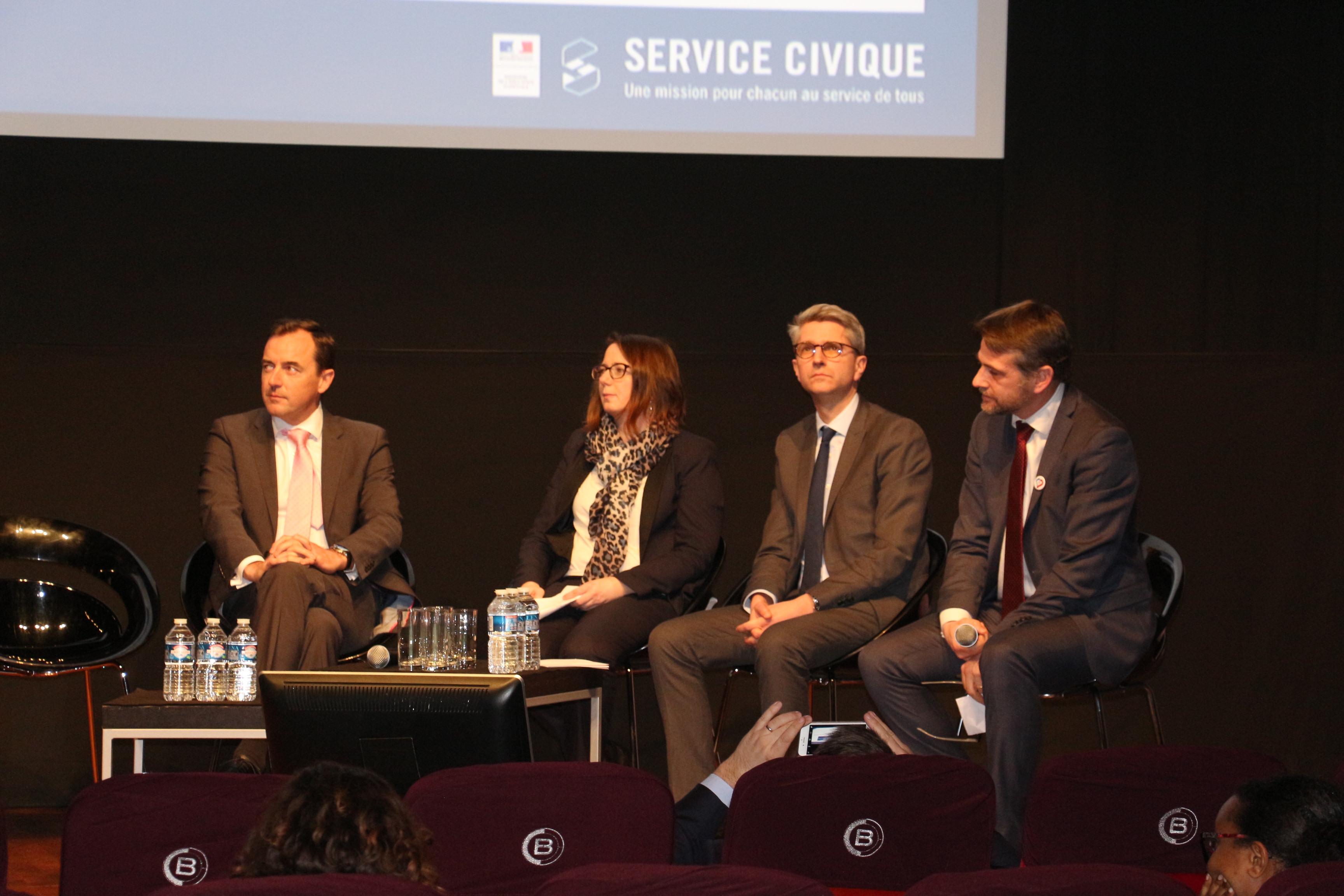 Adecco France, Groupe Casino et Up Group s'engagent à valoriser le service civique