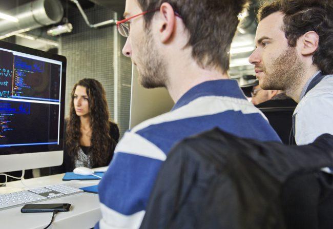 Regards croisés : décryptage de la réussite académique et scientifique