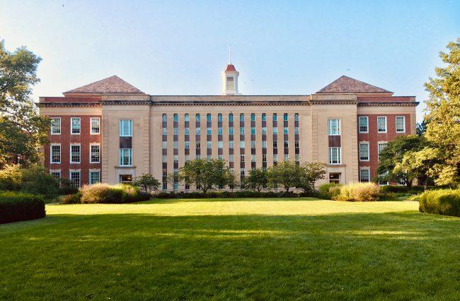 Décryptons-les : les statuts des grandes écoles de commerce
