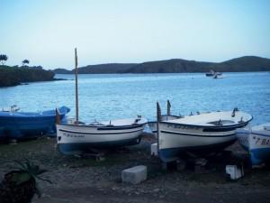 Barques devant la crique © Isaure de Saint Pierre